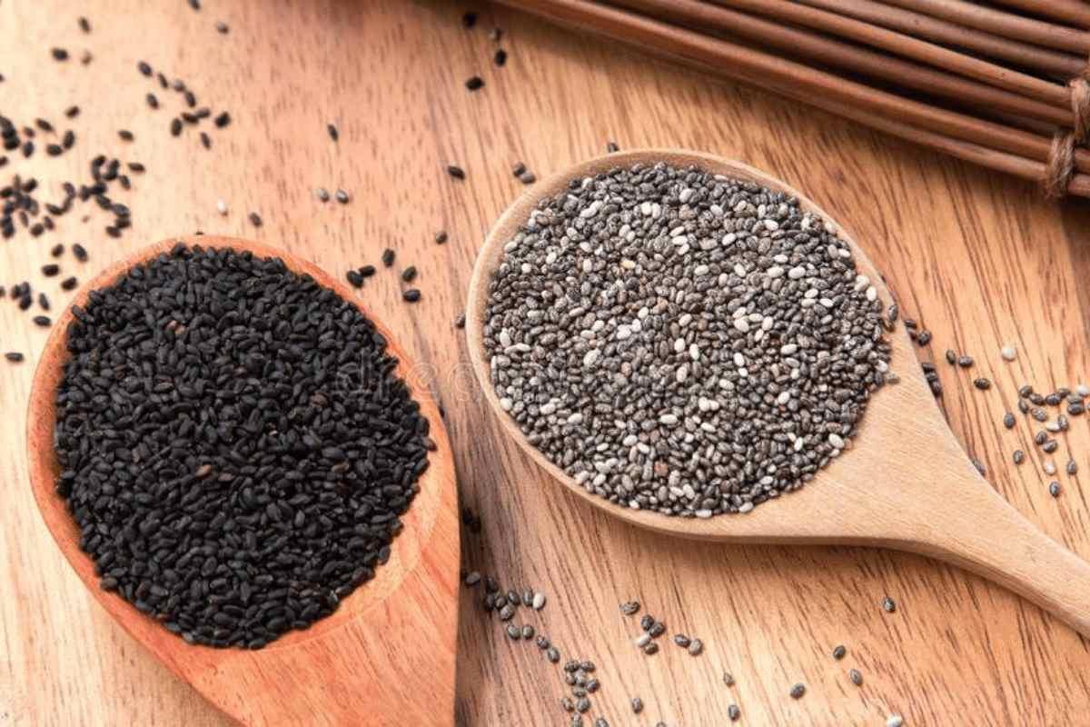 Difference Between Chia Seeds & Sabja Seeds